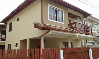 Photo for Beautiful house 150 meters from the sea beach of Armação do Pantano do Sul