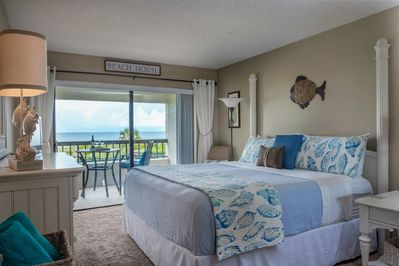 Master bedroom with high-quality king size bed. Breathtaking morning views