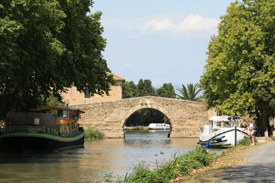 Tourouzelle is very near the peaceful, timeless Canal du Midi.