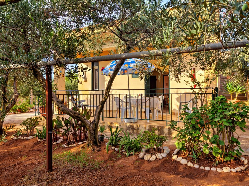 Typical Sicilian country house, surrounded by a beautiful olive ...