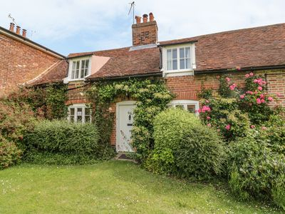 Photo for COTTAGE ON THE GREEN, pet friendly in Orford, Ref 1010180