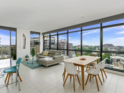 Photo for Surry Hills Apartment Sweeping City Views - SHIL2