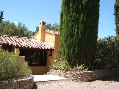 Photo for House Fréjus Capitou Wifi, garden 700 m2 in private domain with swimming pool, tennis.