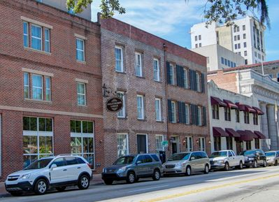 Another street view of The Oglethorpe Lodge in historic downtown Savannah.