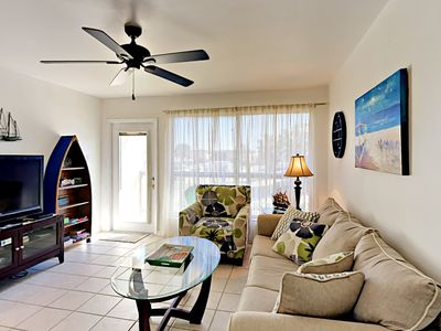 Photo for 128SM;1BR, 1 BA Walking distance to the beach