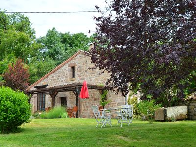 Photo for Lovely converted barn with pool