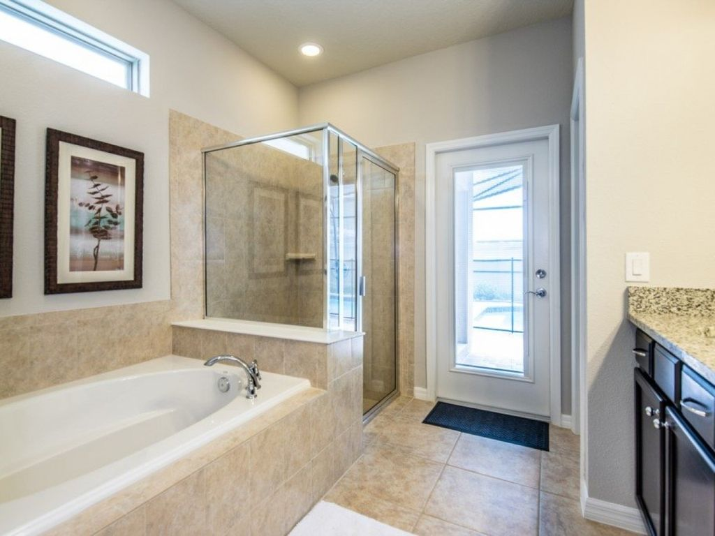 """""""The Ultimate Guide to Renting Your 5 Star Villa Westside 6198E"""" - Six Bedroom Villa, Sleeps 12"""