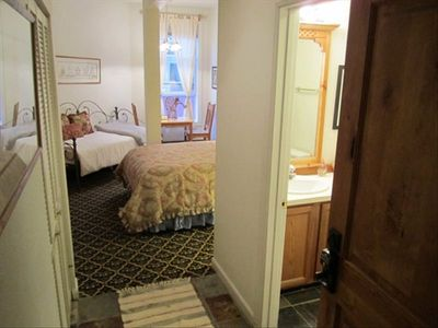 Spacious and cozy.  Slate floors and new carpet and beds. Tons of sunlight.