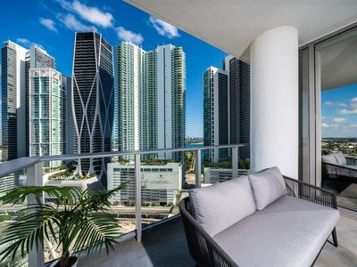 Photo for Elite Sky Tower Miami - Spacious Condo with Beautiful Bay and Downtown Views
