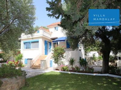 Photo for Private 4 bed Villa just 50m from Pessada Beach