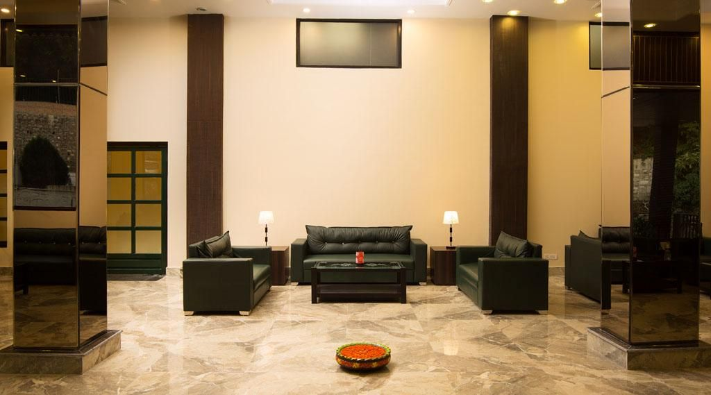 Stylish Suite w/ Fitness Gym, Zoo, Discotheque & In Room Dining