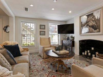Renovated Historic Home Near Forsyth Park, 6 Suites+ Private Swimming Pool
