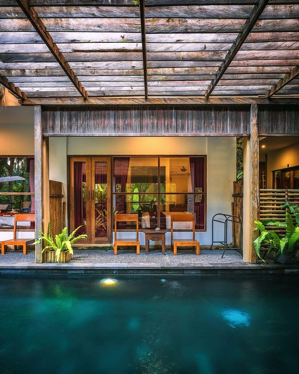 Charming pool view room close to Ubud with a shared infinity-edge swimming  pool - Tampaksiring