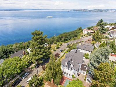 Photo for 7BR House Vacation Rental in Seattle, Washington