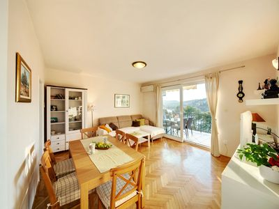 Photo for Beautiful apartment with sea views and Mediterranean garden