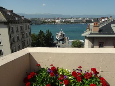 Photo for Luxurious little one bedroom apartment. Geneva Center. Lake view and water jet