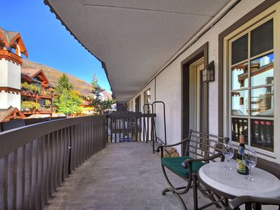 Photo for Modern 1Br Condo at Lodge at Vail - Lowered rates