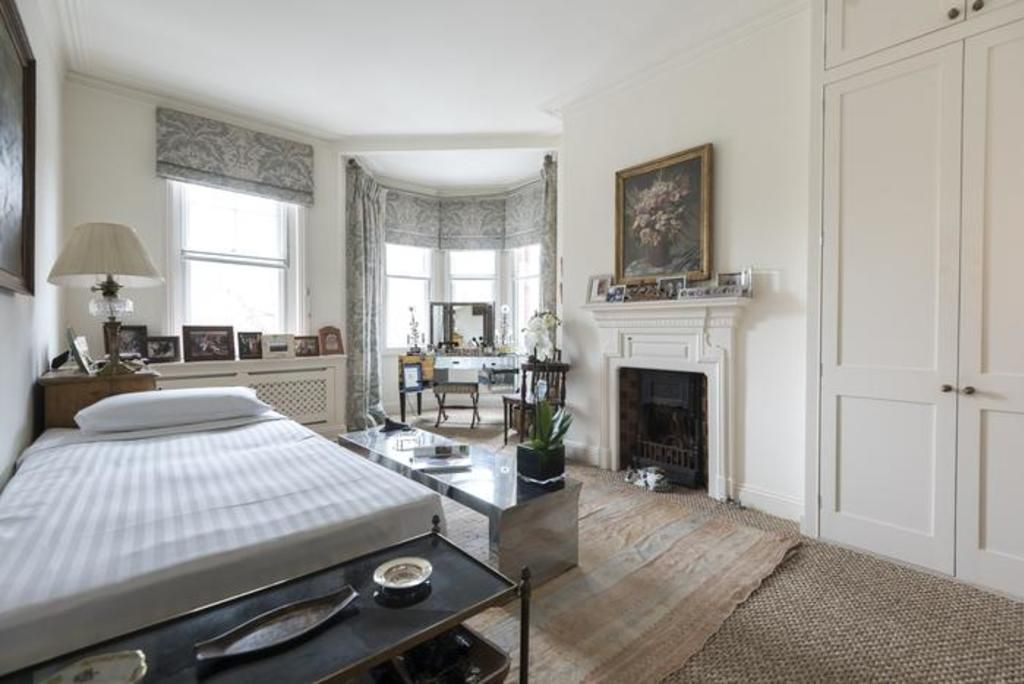 London Home 176, Picture This… Enjoying Your Holiday in a Luxury 5 Star Home in London, England - Studio Villa, Sleeps 3