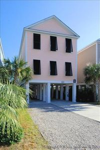 Photo for Carolina Peach, 5 Bedroom, 4.5 Bath, Sleeps 12, 2nd Row from Ocean, Private Pool