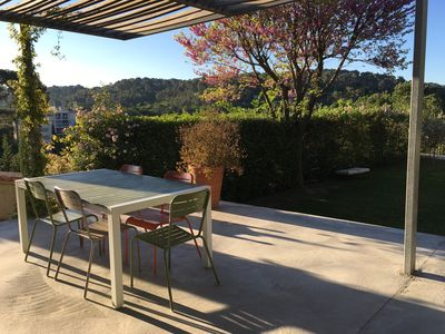 Photo for Family & contemporary villa 10 minutes from downtown Aix-en-Provence