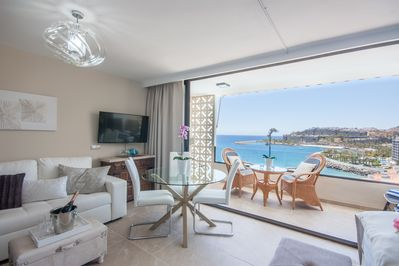 Beautiful Luxury Apartment on the beach with a panoramic sea view