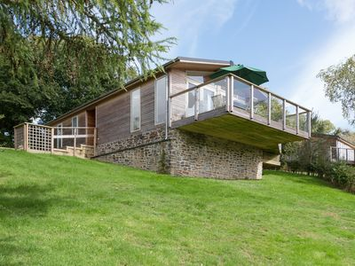 Photo for 7 LAKE VIEW, family friendly, with hot tub in Lanreath, Ref 991442