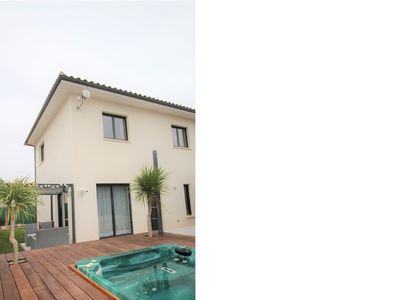 Photo for Quiet house 10 minutes from the sea with air conditioning and outside SPA