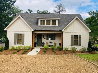NEW CONSTRUCTION! Lakefront house, Sleeps 16, LOTS OF PARKING SPACE