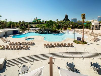 Photo for RIGHT ON INTERNATIONAL DRIVE! COMFY KING UNIT! CLOSE TO PARKS, POOLS, HOT-TUB