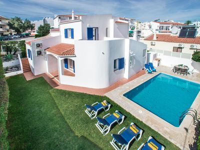 Photo for This 3-bedroom villa for up to 8 guests is located in Albufeira Centre and has a private swimming po