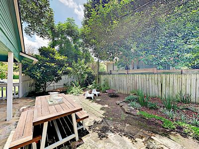 Backyard - Enjoy al fresco dining with seating for 6 in the charming backyard.