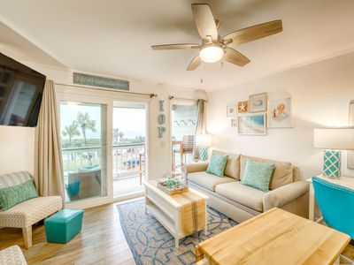 Photo for Central, modern villa w/ beautiful ocean views & community pool and grills!