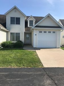 Beautiful Lakeview Townhome in Apple Canyon Lake near Galena