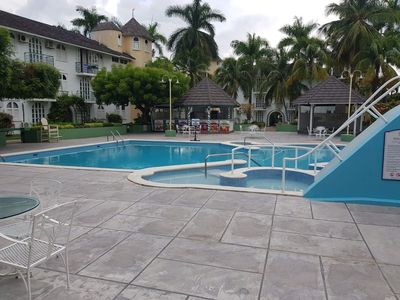 Photo for Luxury Escapes Sandcastle  2beds/2baths/sleeps4/beach/pool/WiFi/cable/b/fast