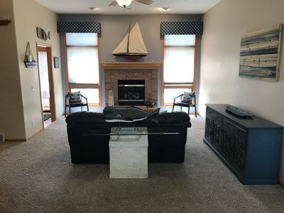 Spacious Quiet Waterfront Home Near Downtown Omaha