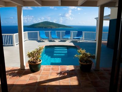 The Entrance to your St. Thomas getaway. Photo by Ej