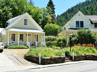 Photo for Downieville Victorian Cottage- 4 bedroom