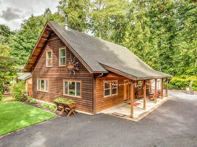 Photo for Dog-friendly cabin w/private hot tub, firepit, & access to shared pool & tennis!