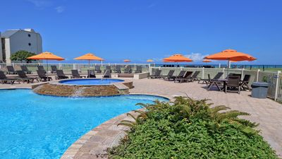 Photo for Panoramic Island View! Beautiful 1 BR condo in beachfront resort. Pet Friendly! WIFI!