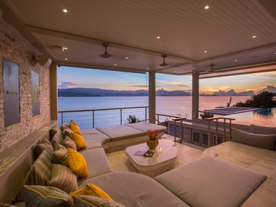 Photo for Incredible Oceanfront 6-bedroom villa - Perfect for Groups