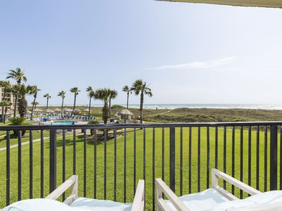 Photo for Beachfront condo! Great ocean views, 3 Pools, hot tubs, tennis courts, and beach access!