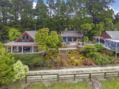 Photo for Kauriglen Lodge Puhoi  Self-Contained Chalet