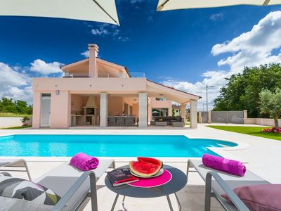 Photo for Modern villa with private pool near Pula