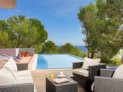 Photo for 3 bedroom Villa, sleeps 6 in Tamariu with Pool and Air Con
