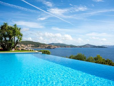 Photo for Spectacular private luxury 6 b on the sea  amazing views excellent location SW