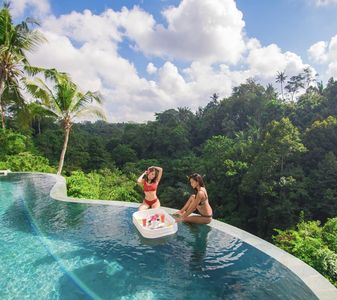 Photo for SPECIAL PROMO -40%,, Limitless Jungle Villas Complex, 5 BR, Ubud w/ staff