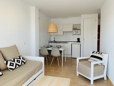 Photo for BAULO MAR - STANDARD - Modern apartment near the beach with access to the shared pool.