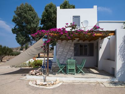 Photo for Villa in an oasis of peace close to the most beautiful beaches and all Milos services