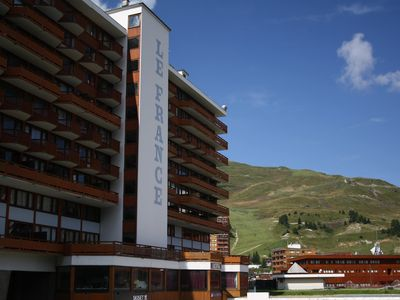 Photo for Sleeps 4 feet to the slopes