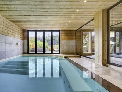 Photo for Comfortable family apartment in luxury chalet, heated pool